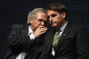 Artigo: Postura negacionista e morosa põe Brasil na contramão do mundo